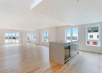 Thumbnail 3 bed flat for sale in Goldhawk House, Beaufort Square, London