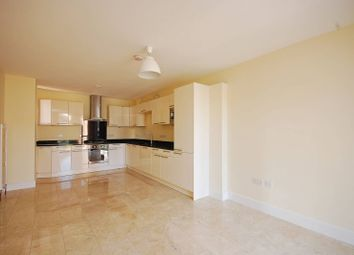 Thumbnail 2 bed flat to rent in Valley Road, Streatham