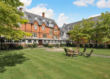 Thumbnail 1 bed flat to rent in 20 Convent Court, Hatch Lane, Windsor, Berkshire