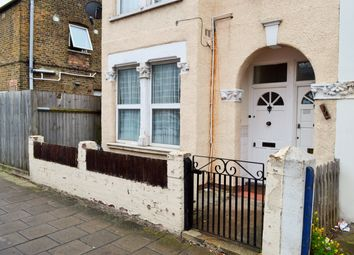 1 bed maisonette to rent in Pevensey Road, Tooting Broadway SW17