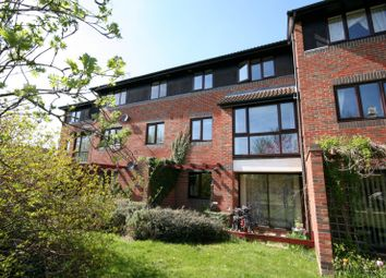 Thumbnail 1 bed flat to rent in Eldridge Close, Abingdon