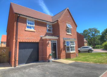 Thumbnail 4 bed detached house for sale in Field View Drive, Hessle