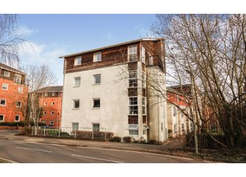 Athelstan Road, Winchester SO23. 2 bed flat for sale