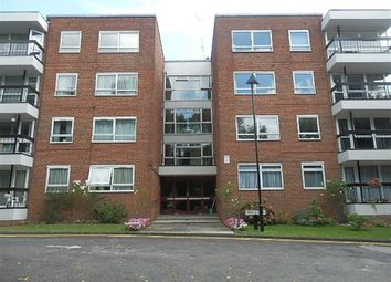 Thumbnail 3 bed flat to rent in Greenacres, Hendon Lane, Finchley, London