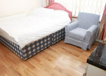 Room to rent in Russell Avenue, Wood Green N22