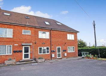 Thumbnail 2 bed flat to rent in Edward Road, Alton
