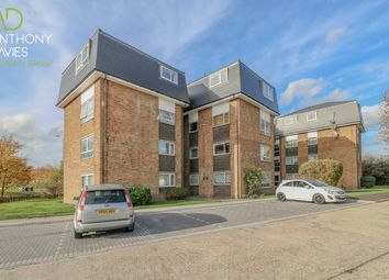 Thumbnail 1 bed flat for sale in Lampits, Hoddesdon