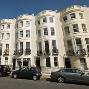 Thumbnail 6 bed maisonette to rent in Lansdowne Place, Hove