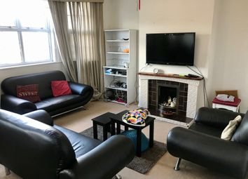Thumbnail 3 bed flat to rent in Newport Road, Roath, Cardiff