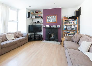 Thumbnail 2 bedroom flat to rent in Brookscroft Road, London
