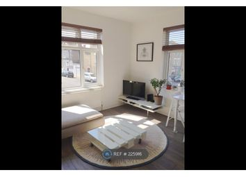 Thumbnail 2 bed flat to rent in Landcroft Road, London