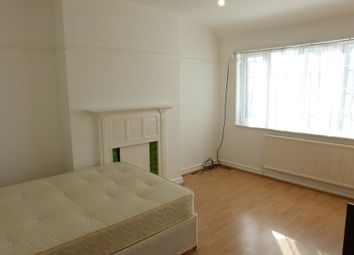Thumbnail Property to rent in Golders Green Road, Golders Green, London