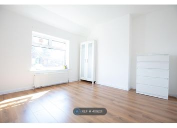 Thumbnail Room to rent in North Drive, Swinton, Manchester
