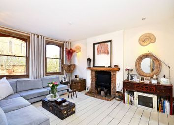 Thumbnail 3 bed flat to rent in Lavender Hill, Battersea, London