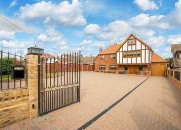 Oak Hill Road, Stapleford Abbotts, Romford, Essex RM4. 6 bed detached house