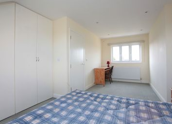 Thumbnail 4 bed flat to rent in Hathaway Road, Croydon