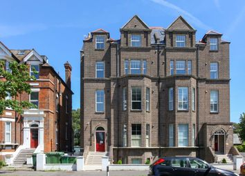 Thumbnail 2 bed flat to rent in Earls Avenue, Folkestone