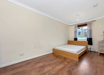Thumbnail 5 bed town house to rent in Barnfield Place, Isle Of Dogs