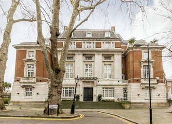 Thumbnail 1 bed flat for sale in Rosebery Avenue, London
