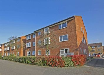 Thumbnail 1 bed flat to rent in Henfield Road, London