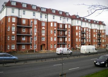 5 bed flat to rent in Brent View House, North Circular Road, London NW11