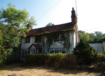 Petworth Road, Chiddingfold, Godalming GU8. 4 bed end terrace house