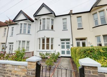 Thumbnail 2 bed flat for sale in Chalkwell Park Drive, Leigh-On-Sea