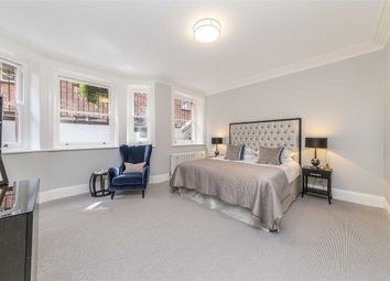 Thumbnail 2 bed flat for sale in Buckingham Gate, London
