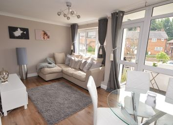 2 bed flat for sale in York Way, Chessington, Surrey. KT9