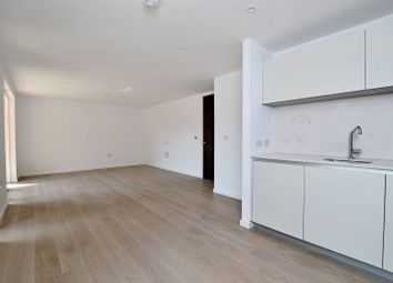 Thumbnail 3 bedroom flat to rent in The Bevenden, Hoxton