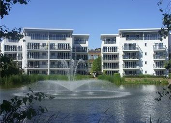 Thumbnail 2 bedroom flat to rent in Creswell Drive, Park Langley, Beckenham