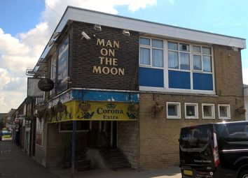 Thumbnail Pub/bar for sale in Headley Drive, Croydon
