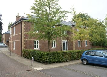 Thumbnail 1 bed flat to rent in Loyd Lindsay Square, Winchester