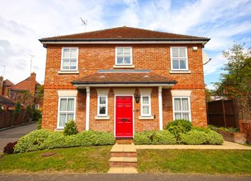 Thumbnail 3 bed detached house for sale in Fallow Fields, Loughton