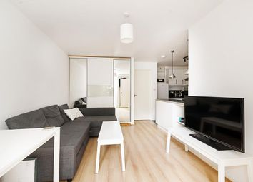 Thumbnail 2 bed flat to rent in Shaftesbury Street, London