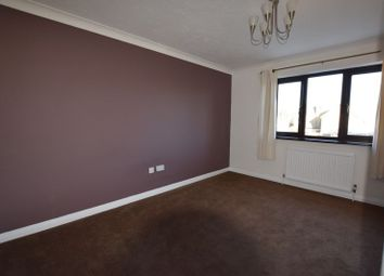 Thumbnail 1 bed flat to rent in Queen Annes Drive, Westcliff-On-Sea