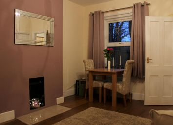 Thumbnail 1 bed flat to rent in Station Road, Horsham