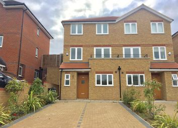 Thumbnail 4 bed property to rent in Kingsmead Road, High Wycombe