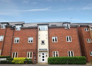Thumbnail 2 bedroom flat for sale in Hieatt Close, Mount Pleasant, Reading, Berkshire