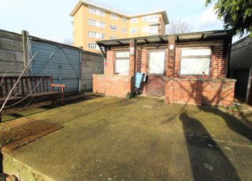 1 bed flat to rent in Vine Gardens, Ilford IG1