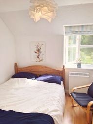 Thumbnail 1 bed flat to rent in Rembrandt Way, Reading