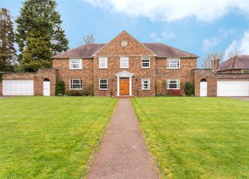 Thumbnail 3 bed flat for sale in Raglan House, Kilfillan Gardens, Berkhamsted, Hertfordshire