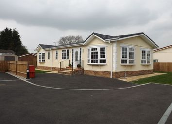 Thumbnail 2 bed bungalow for sale in Brickhill Farm Park Homes, Half Moon Lane, Pepperstock, Luton