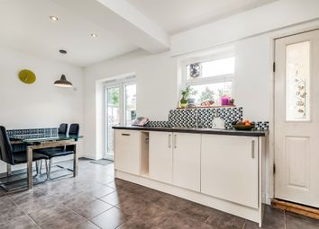 Thumbnail 4 bed terraced house for sale in Glebe Road, Didcot