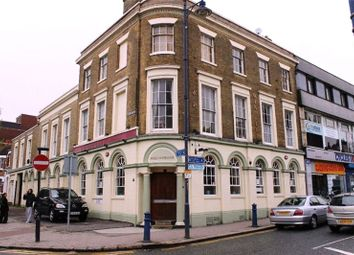 Thumbnail 2 bed flat to rent in The Grove, Gravesend, Kent
