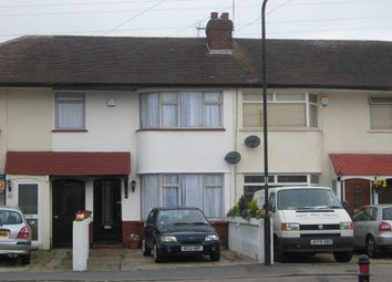 Thumbnail 3 bed property to rent in Oakfield Avenue, Cippenham, Slough