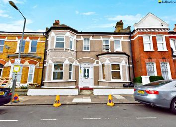 Thumbnail 1 bedroom flat to rent in Dafforne Road, London