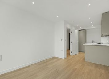 Thumbnail 1 bedroom flat to rent in Pinnacle Apartments, Saffron Central Square, Croydon, Surrey