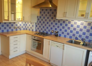 Thumbnail 2 bed flat to rent in Carshalton Road, Sutton