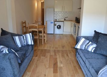 Thumbnail Terraced house to rent in Hills Road, Cambridge